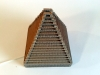 Lampa piramida z tektury - 2.jpg