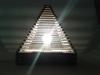 Lampa piramida z tektury - 3.jpg