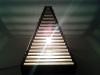 Lampa piramida z tektury - 4.jpg