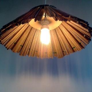 lampa-strzecha-z-kartonu-6